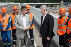 Столичный градоначальник Сергей Собянин запустил движение на эстакаде на пересечении МКАД и Ленинского проспекта