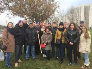 Представители молодежной палаты Зябликово приняли участие в высадке деревьев возле Каширского шоссе
