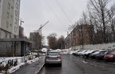 После расширения платной парковки в ЮАО жители округа могут беспрепятственно найти место для стоянки автомобилей