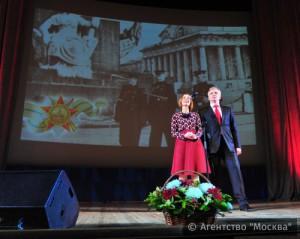 В программе концерта прозвучали песни военных лет, музыка из советских кинофильмов