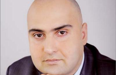 Заместитель главы муниципального округа Зябликово Дмитрий Семенов поздравил жительниц района с наступающим