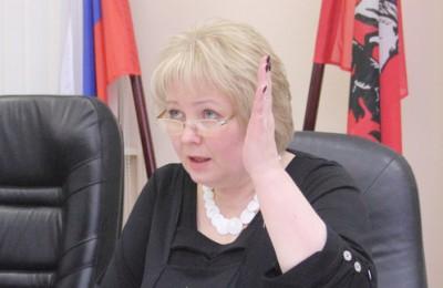 Оценивая проект, Ирина Золкина высказала мнение, что для московских парламентариев-муниципалов в первую очередь будут полезны дистанционные образовательные курсы, так в столице – это люди, не освобожденные от профессиональных обязанностей