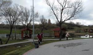 Субботник прошел в Покровском парке