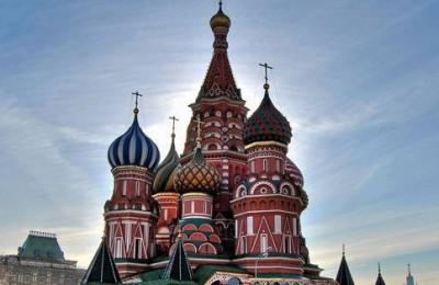 На этот раз темой встречи станет история православного храма, расположенного на Красной площади в Москве – Собора Покрова Пресвятой Богородицы, что на Рву, более известного в народе как Собор Василия Блаженного