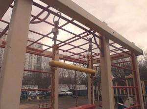 На фото восстановленный элемент игрового городка на улице Мусы Джалиля