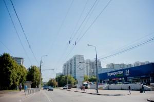 На фото крупный супермаркет в районе Зябликово