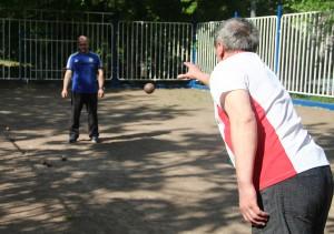 В Зябликове провели соревнования по петанку для лиц с ограниченными возможностями здоровья