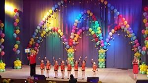 На фото юные гимнастки, учащиеся дошкольного отделения при образовательном комплексе №2116