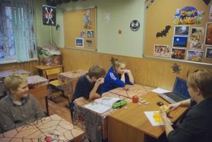 В Зябликове для местных жителей провели групповой мастер-класс по квилингу