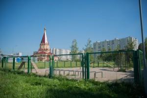Выгулять своего домашнего питомца жители района Зябликово смогут на площадке, расположенной вблизи поймы реки Городни