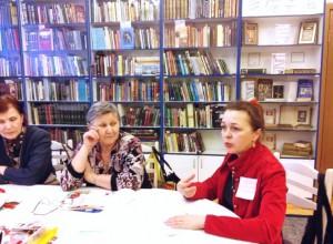 На фото Ирина Чепелкина и посетительницы тренинга