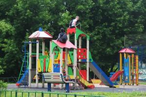На детских площадках установят новые игровые городки