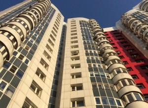 В столице за 2,5 года планируется построить 83 жилых панельных дома новых серий