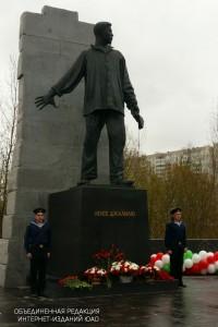 На фото памятник Мусе Джалилю в Зябликове