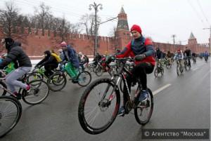 Зимний  велопарад в Москве в 2016 году