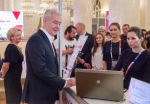 Мэр Москвы Сергей Собянин посетил пресс-центр Кубка конфедераций для неаккредитованных журналистов