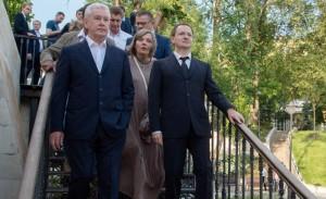 Мэр Москвы Сергей Собянин в ходе осмотра сквера