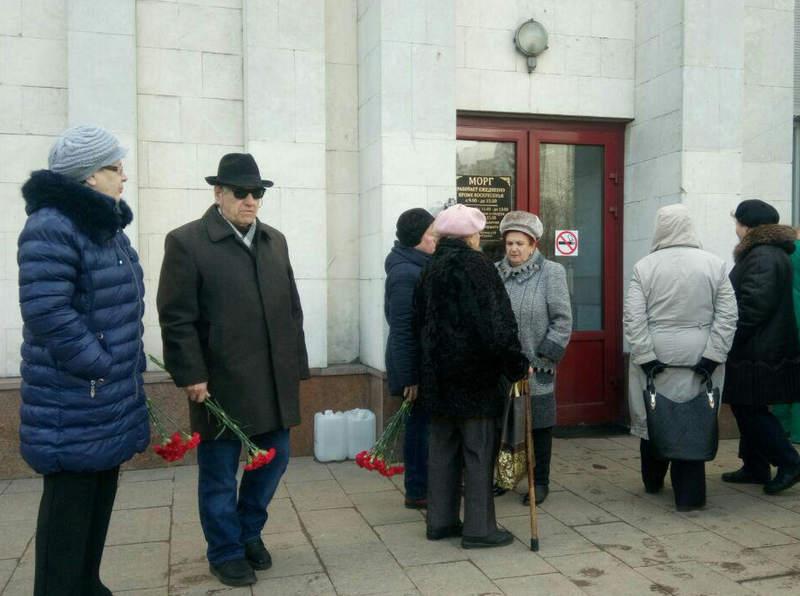 На прощании с Аллой Черновой