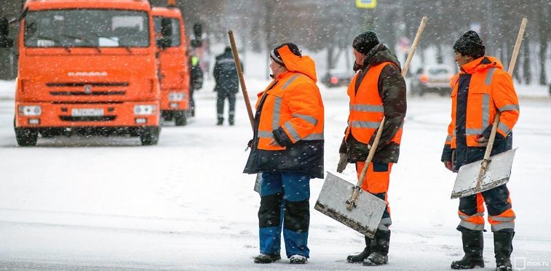 снег, коммунальщики, лопаты, снегоуборочная техника, мосру, 2501